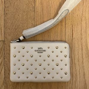 NWT - COACH wallet / wristlet / clutch white & gold with studs